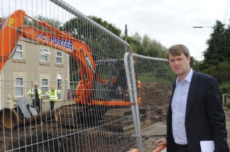 MP Chris Skidmore has visited flood-hit fisher Road and spoken to residents affected